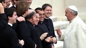Papa_Francesco_incontra_preti