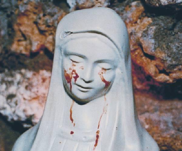 La Madonna ha pianto lacrime di sangue (Video) Civitavecchia 20 anni dopo il mistero continua.