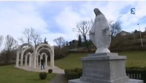 francia-publier-madonna-statua-parco1