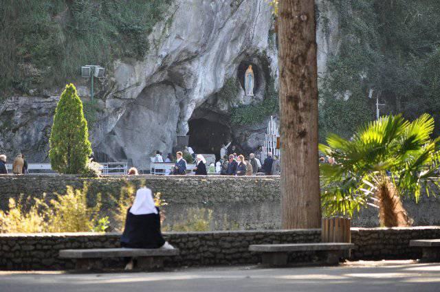 Lourdes-Grotta