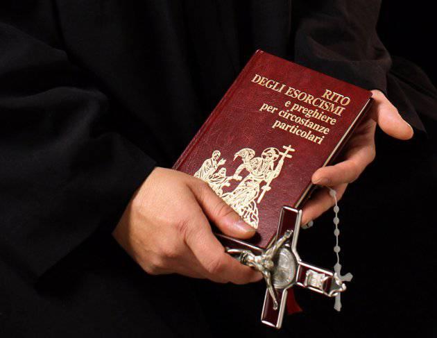 """Padre Talamelli: """"Le malattie mentali non vanno curate con esorcismi"""""""