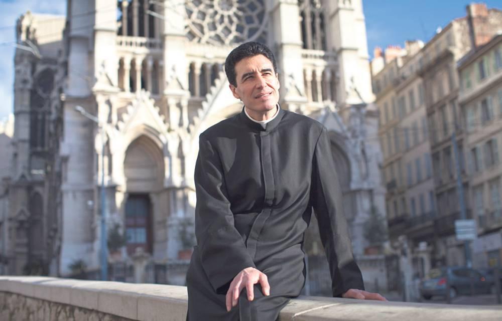 Marseille, le 6 fevrier 2014. Curé Michel-Marie Zanotti-Sorkine de l'Eglise des réformés .