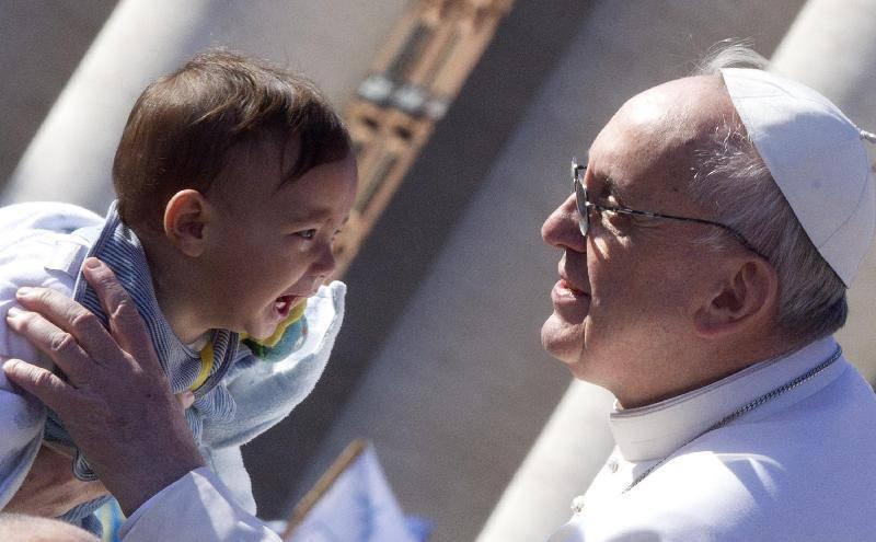 """Papa Francesco ai separati: """"i figli non diventino ostaggi""""."""