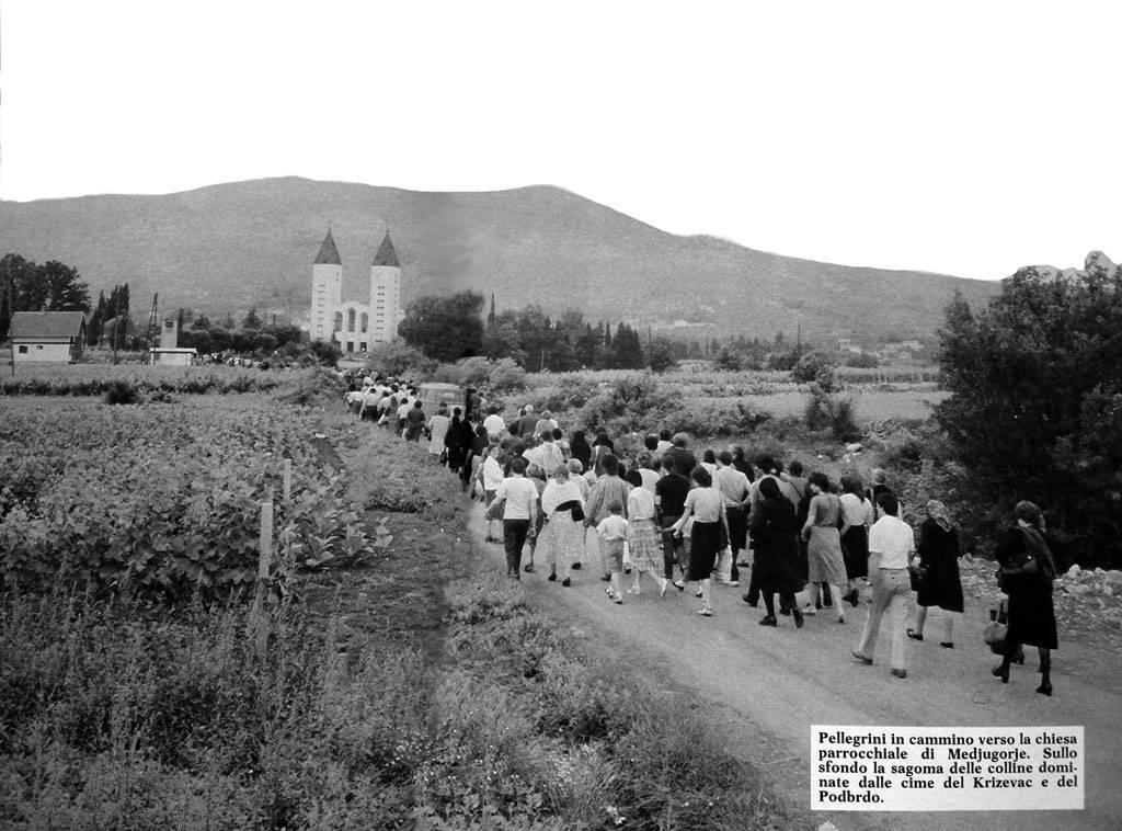 pellegrini-chiesa-medjugorje-big