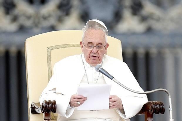 C'è un Papa Francesco virtuale e uno reale.