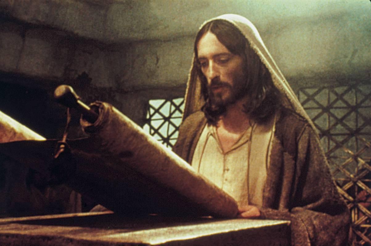 Perch nessuno profeta nella sua patria la luce di maria for La sua e la sua costruzione