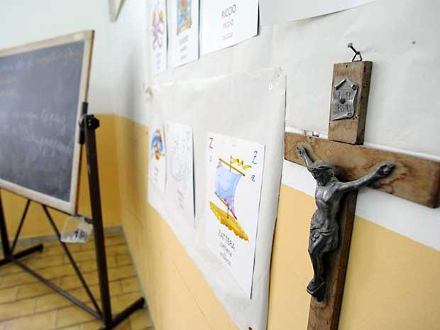 Salvini vuole che il crocifisso torni nelle scuole e negli uffici pubblici