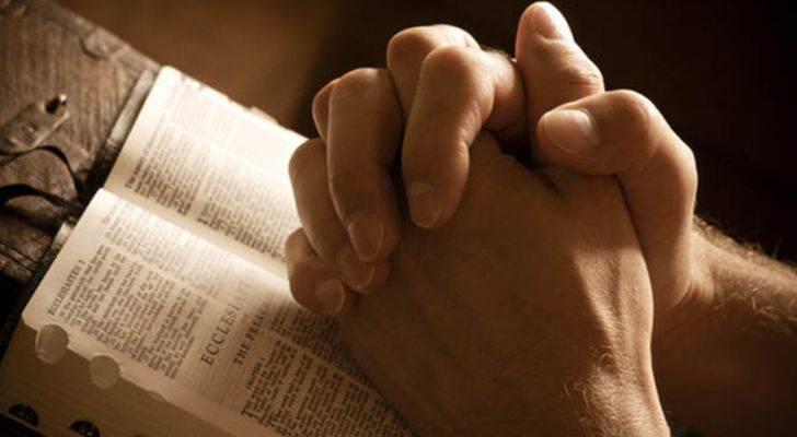 E' giusto  prendersi per mano durante il Padre Nostro?