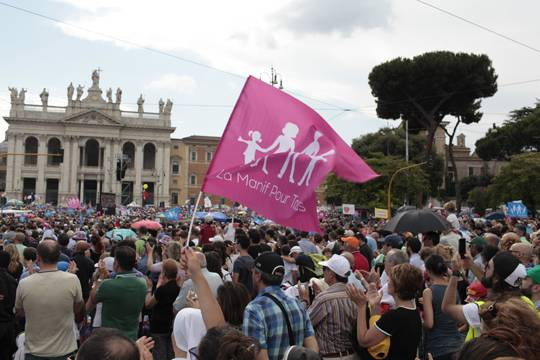 20 Jun 2015, Rome, Italy --- Italy, Rome: People hold placards against gender ideology during a mass demonstration in St.John Square in Rome on June 20, 2015. Hundreds of thousands of people demonstrated in St.John Square against civil unions and to protect the traditional family. (Photo by Christian Minelli/NurPhoto) --- Image by © Christian Minelli/NurPhoto/Corbis