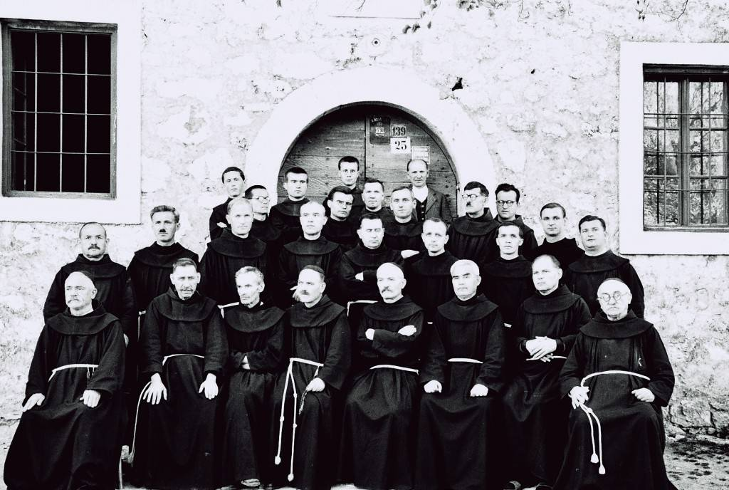 Francescani_Siroki_Brijeg_1944
