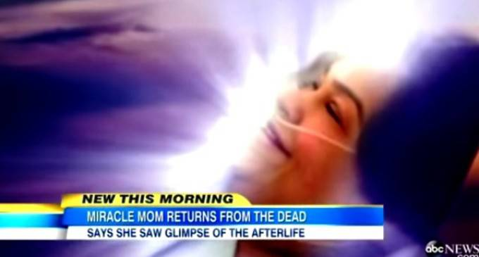 Data per morta dopo 45 minuti risuscita. E ci racconta chi ha incontrato.