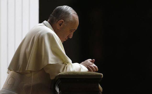 Papa-in-preghiera