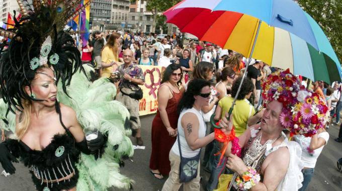 milano_gay-pride_fondi_non-vedenti