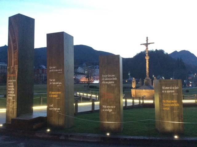 Lourdes Pronta la Porta Santa che domani verrà aperta.
