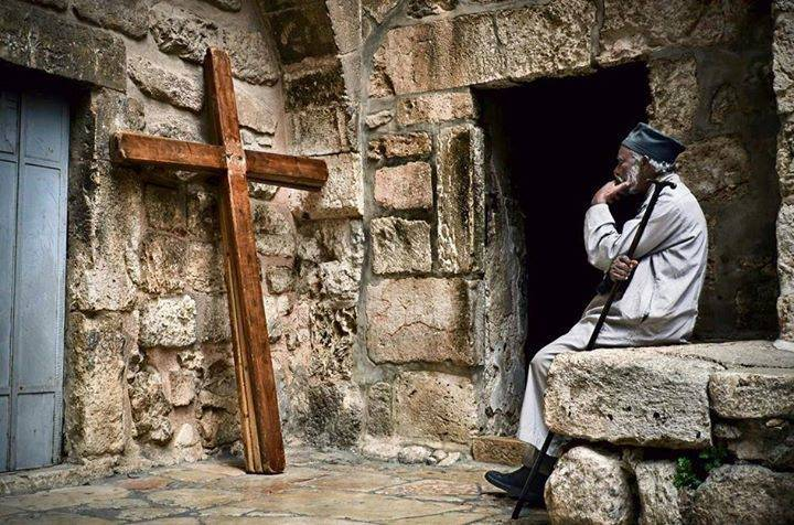Uno dei segni degli ultimi tempi è la grande apostasia proprio quella che stiamo vivendo. Video