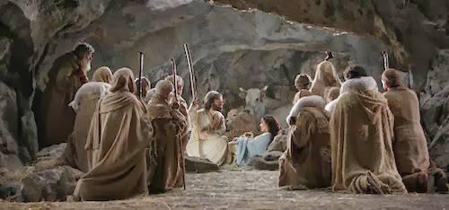 541668_3635347821103_1333873505_n(Lc 2,16-21) I pastori trovarono Maria e Giuseppe e il bambino. Dopo otto giorni gli fu messo nome Gesù.