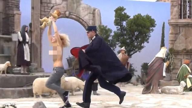 Una fondatrice delle Femen si converte e chiede scusa ai cristiani….