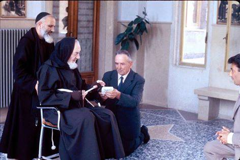 Miracolosamente:Da 35 anni riceve i messaggi da Padre Pio…