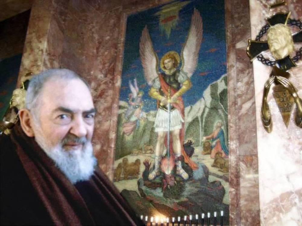Padre-Pio-E-Angelo