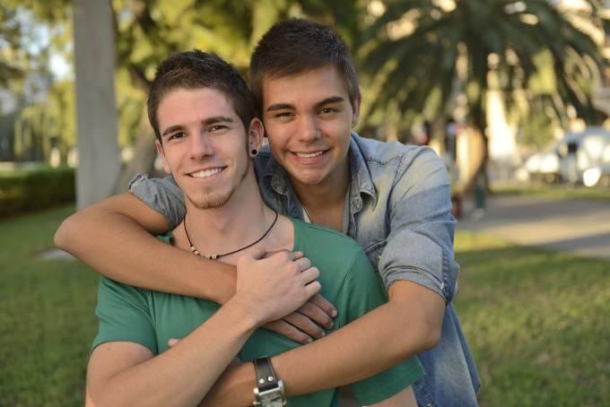 LGBT-Lesbian-Gay-Bisex-Transgender-680