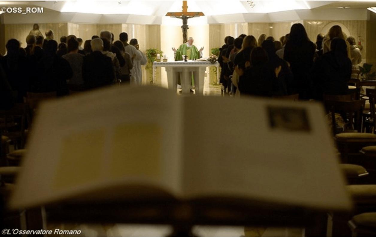 Papa Francesco: evangelizzare non solo a parole ma con la Vita