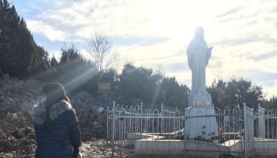 Elisabetta Gregoraci : Medjugorje l'esperienza più toccante della mia vita