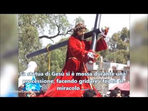 La statua di Gesù si muove un segno? Video