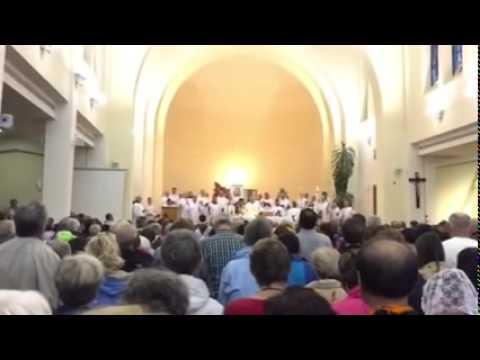 Medjuugorje Video: il tabernacolo si illumina all'improvviso durante il Padre Nostro