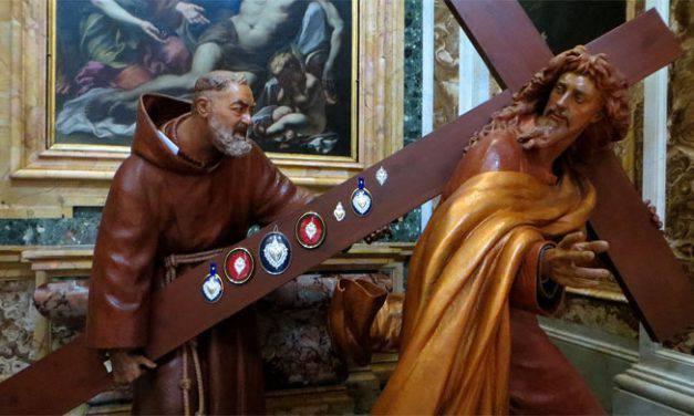 Padre Pio ha aperto le porte del mio albergo per ospitare i terremotati