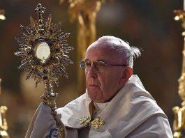 Papa Francesco corpus domini