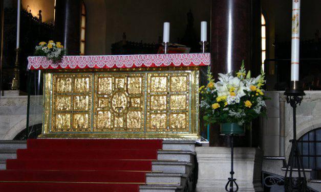 Da ogni altare va gridata la verità, per sciogliere i dubbi dei credenti