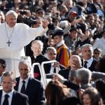Papa Francesco: aprite il cuore alla fede, Dio porta a compimento quello che promette