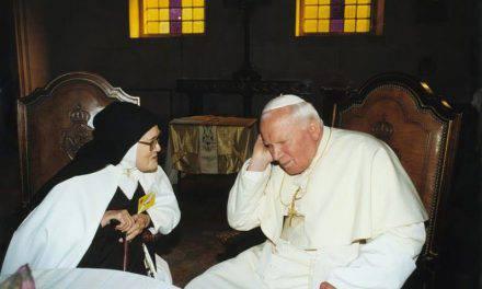 La Madonna: satana vuol distruggere la Chiesa dall'interno