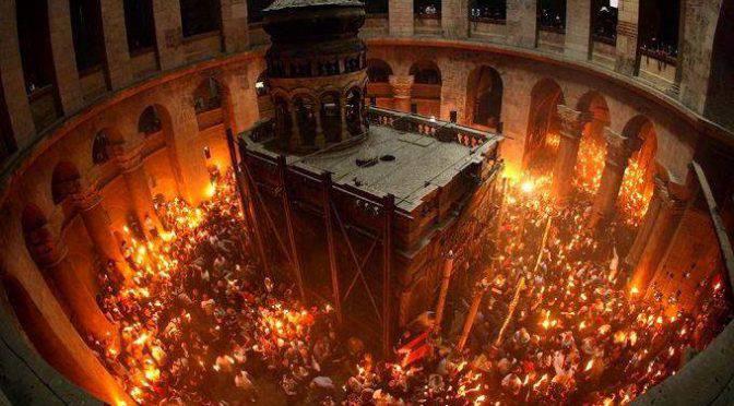 Ecco il fuoco del Santo Sepolcro