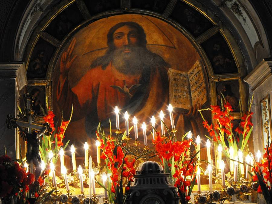 La processione di Pentecoste a Gangi, un evento straordinario