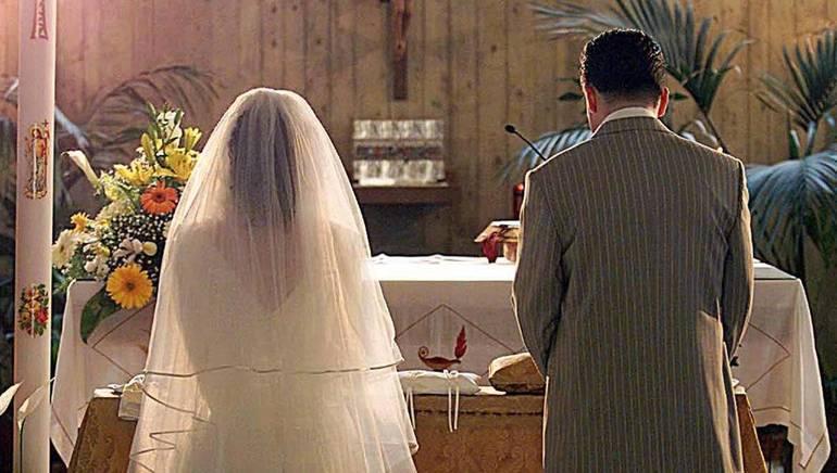 Se un matrimonio è celebrato in chiesa, tra due atei, può ritenersi valido?