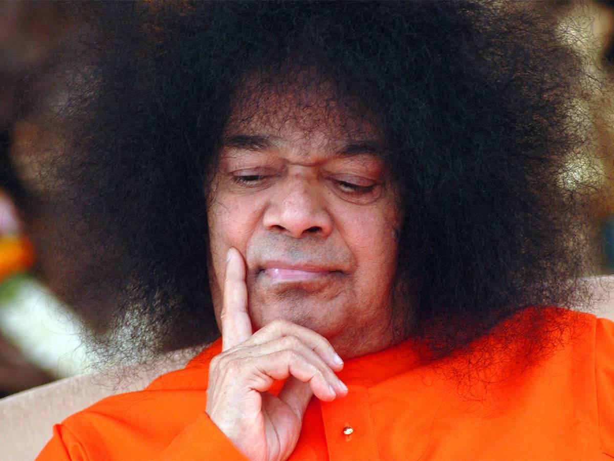 Sai Baba induce una donna a consacrarsi a Satana
