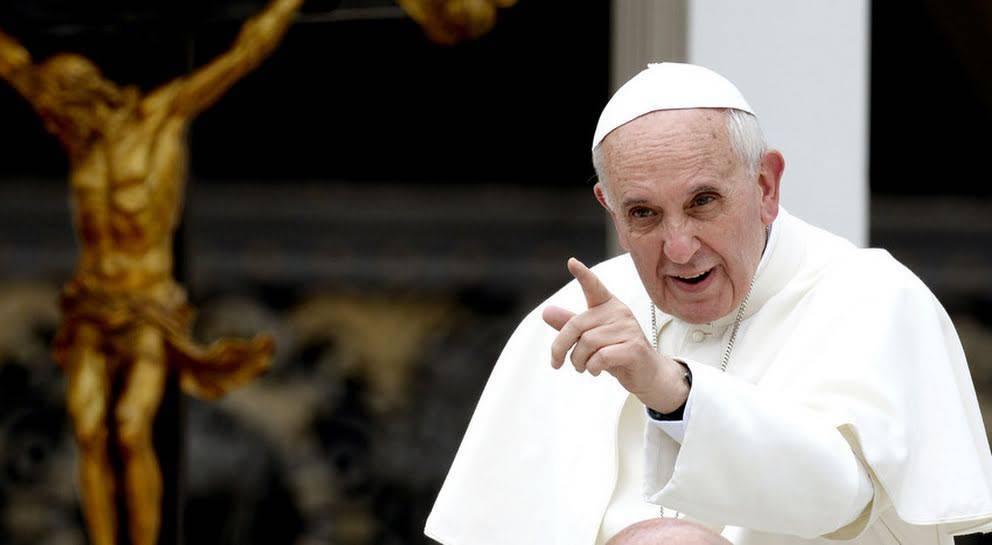 papa francesco carità medicina