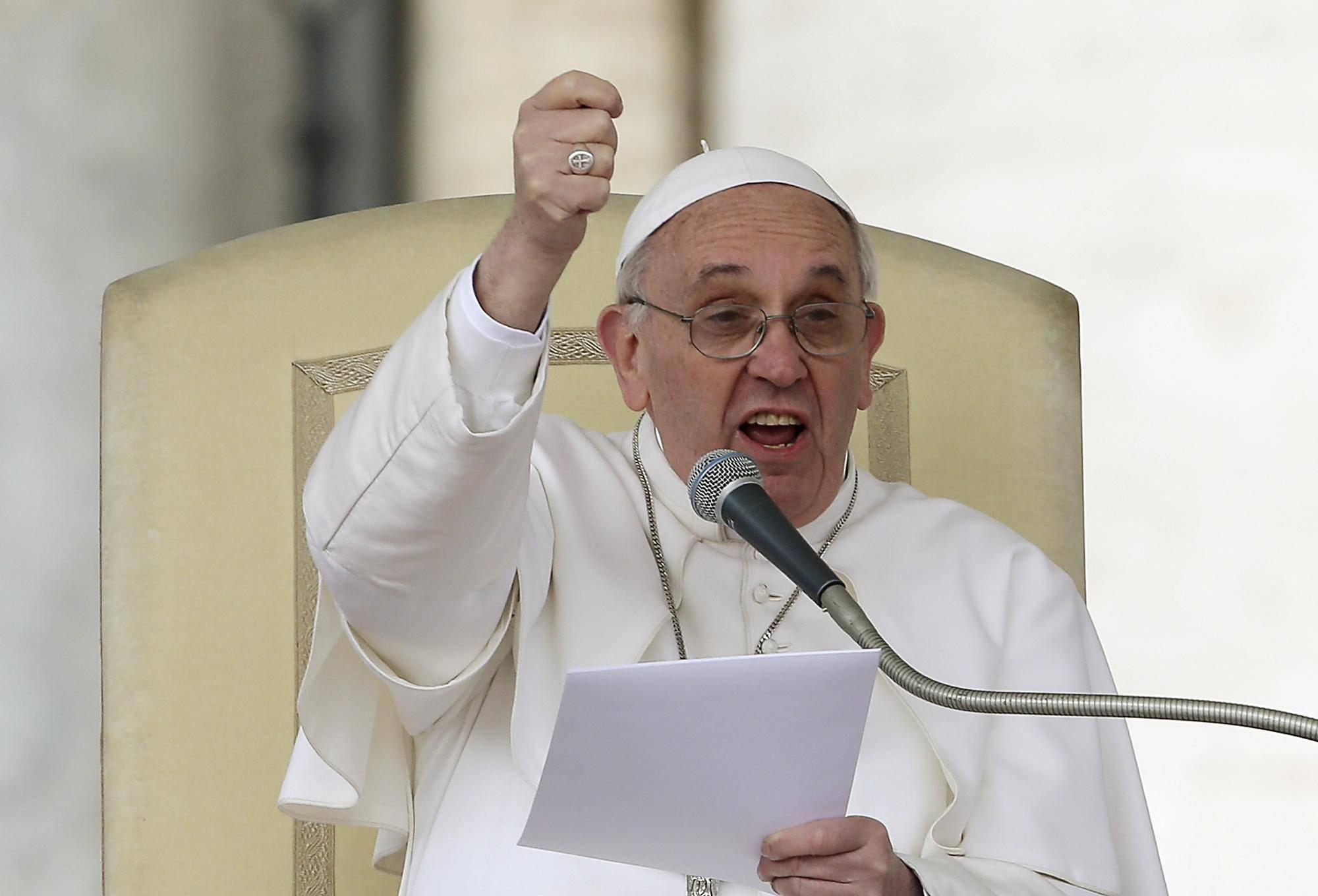 """Papa Francesco: """"Combattiamo l'usura, è una pratica che umilia e uccide"""""""