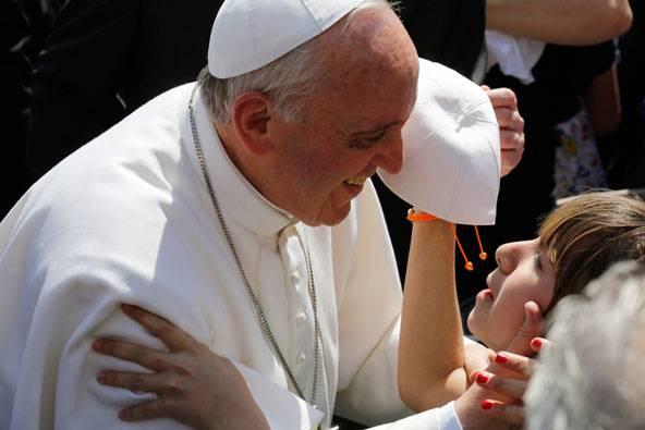 """Papa Francesco sulle cure palliative: """"Bisogna curare fino alla fine"""""""