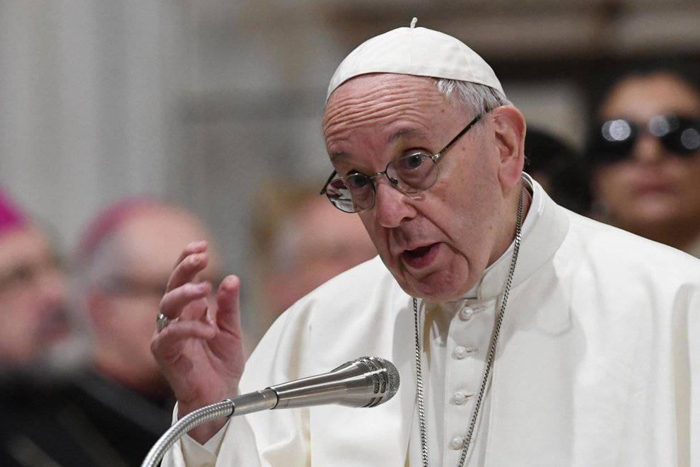 """Papa Francesco visita la comunità di Sant'Egidio: """"Partiamo dalle periferie per unire il mondo"""""""
