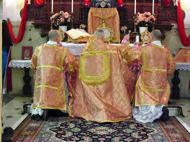 """vangelo del giorno domenica Laetare IV di Quaresima : """"liturgia in rosa"""""""