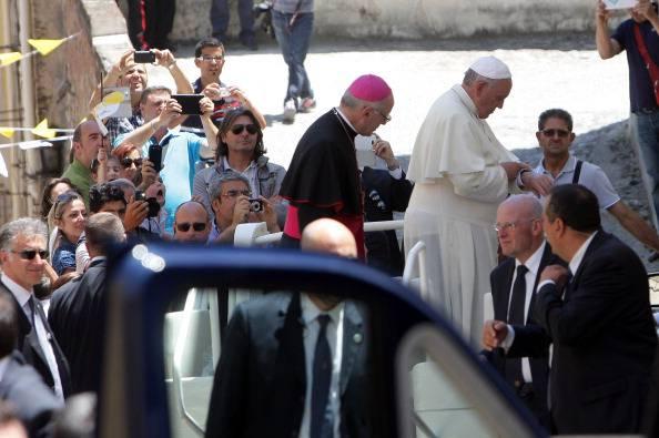 Galantino: i cattolici non sono rappresentati al governo