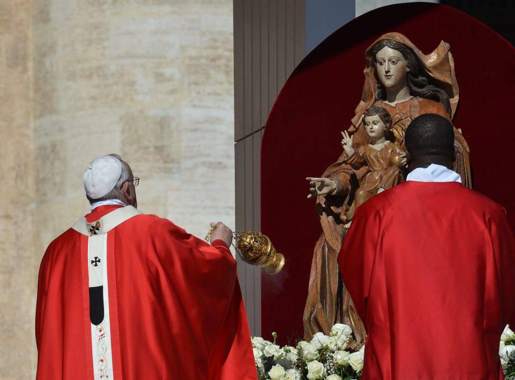 Papa Francesco istituisce la festa in onore di Maria Madre della Chiesa