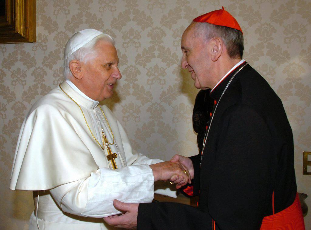 """Benedetto XVI: """"Finiamola con i pregiudizi su Papa Francesco"""""""