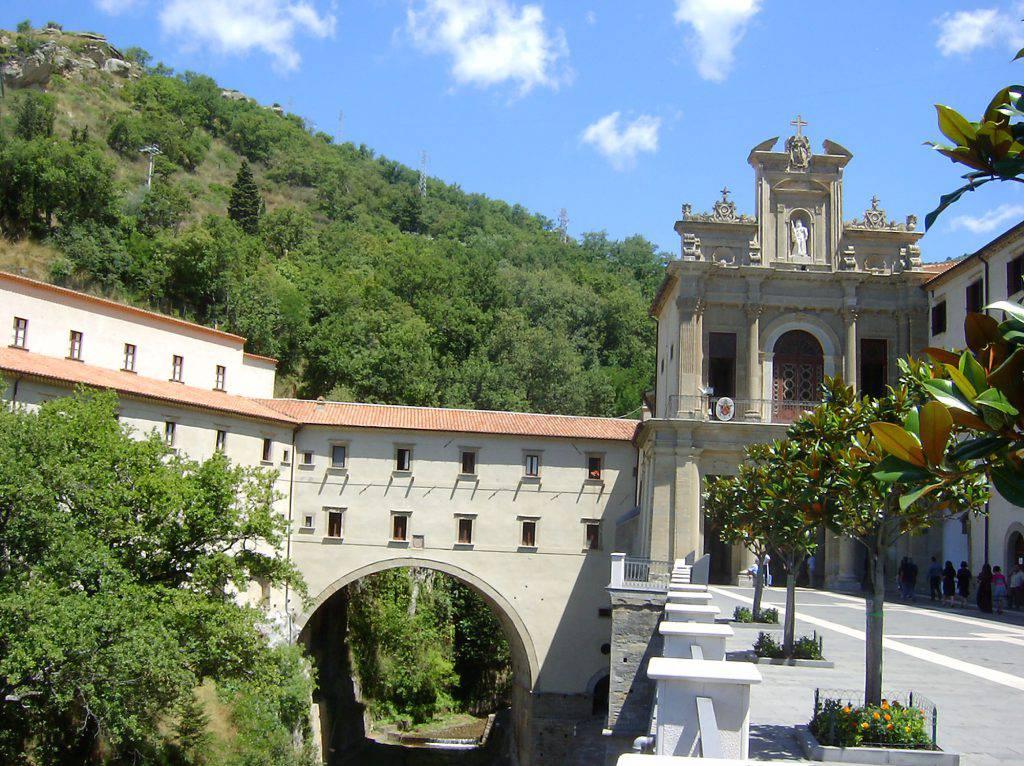 L'acqua di un Santuario italiano ha la stessa struttura di quella di Lourdes