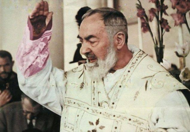 """La testimonianza di Antonietta: """"Avevo un tumore, Padre Pio mi ha salvata"""""""