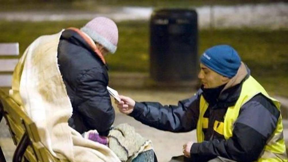 Il bene è una virtù contagiosa: volontari aiutano i più deboli a Roma e Milano