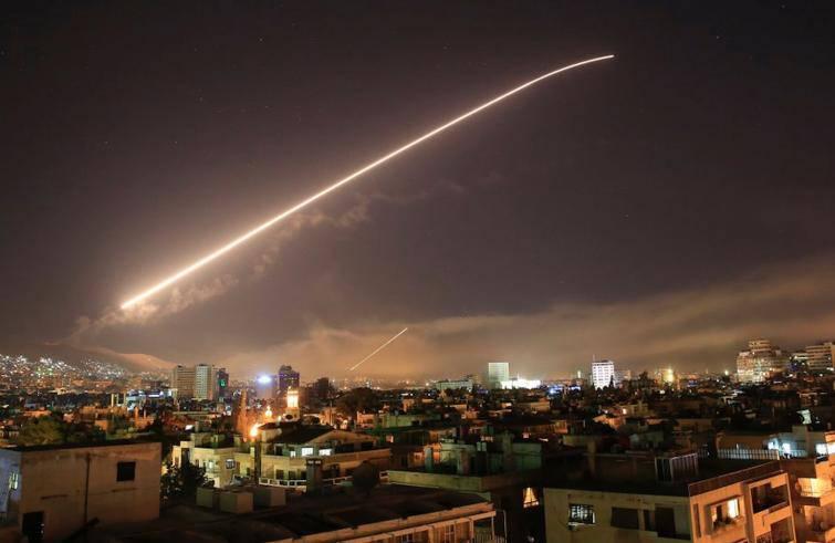 """Bombardamento in Siria, padre Karakach: """"Preghiamo per la pace"""""""