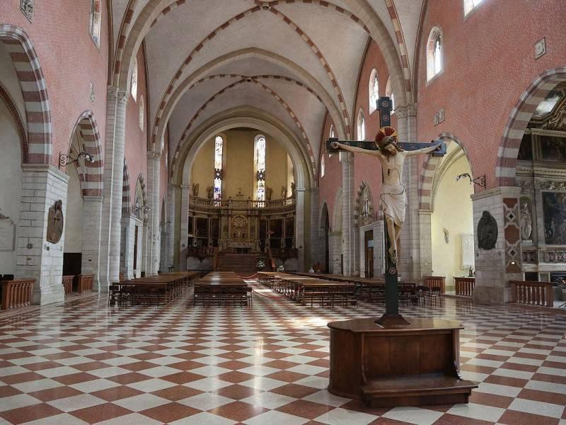 Si masturba in chiesa e aggredisce un agente, arrestato giovane italo-africano